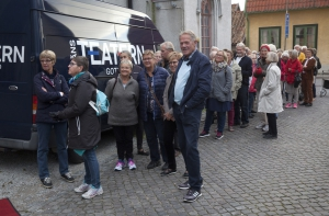 Höstsamlingarna blir allt populärare. Bild tagen innan insläpp till höstsamling september 2015. Foto: Stig Hammarstedt