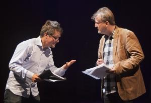 I höst blir det rysare på Länsteatern. Lennart Bäck och Stefan Modig presenterade pjäsen KVINNAN I SVART som passande nog har premiär fredagen den 13 november. Bild tagen på teaterns höstsamling september 2015. Foto: Stig Hammarstedt